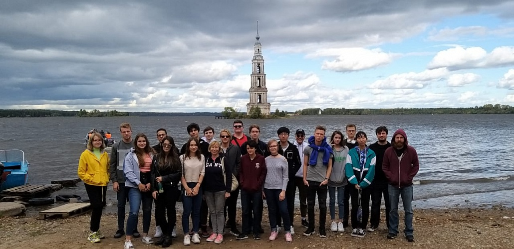The entertaining trip to Uglich and Mishkin. School 3